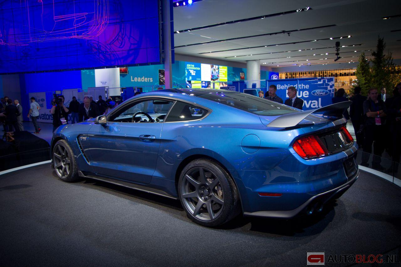 Ford-Mustang-Shelby-GT350R-1.jpg