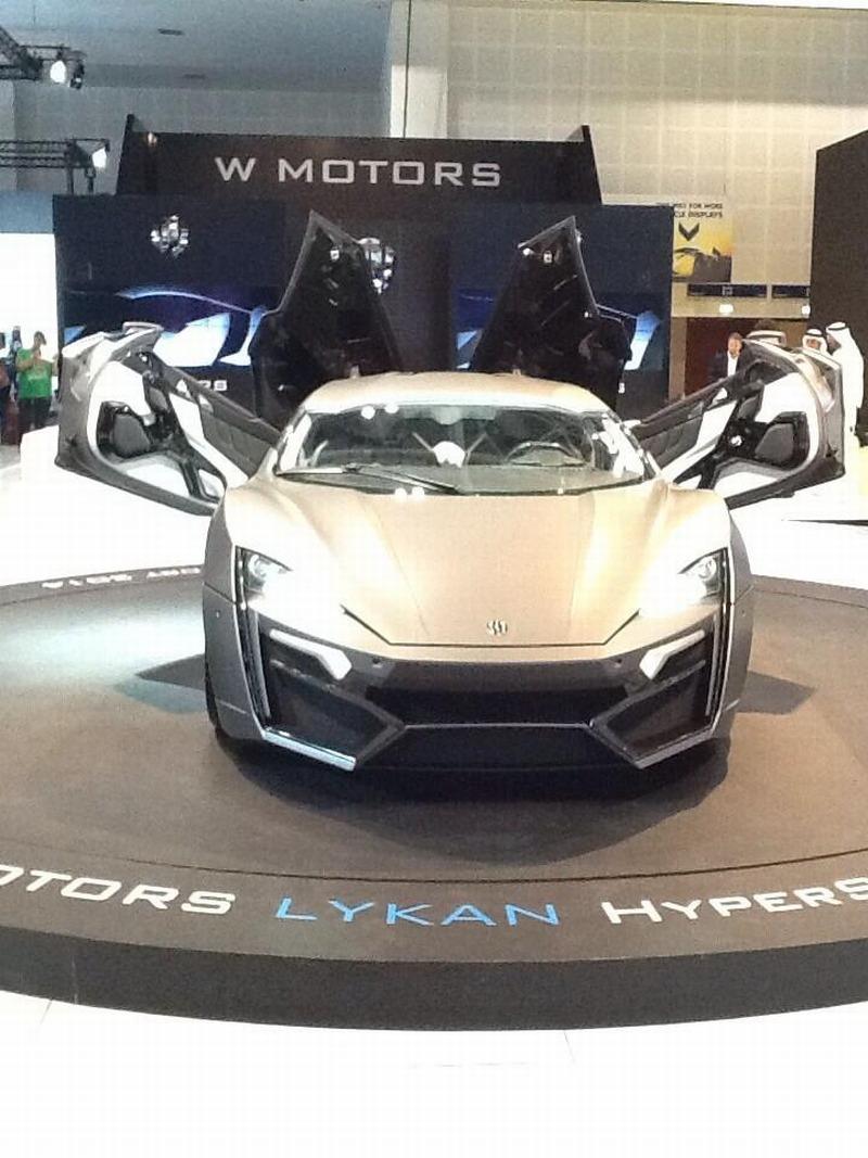 W-Motors-Lykan-Dubai-2013-01.jpg