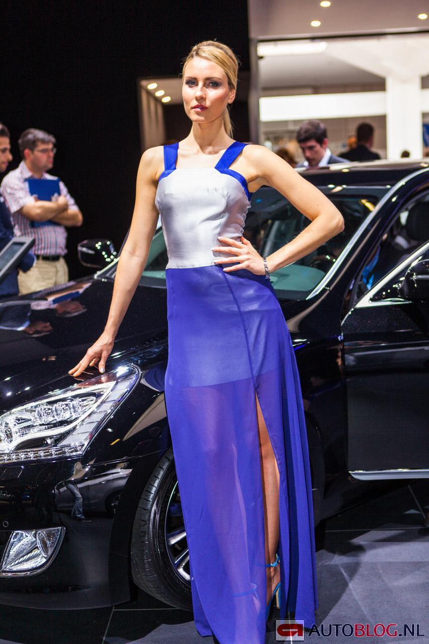 Hyundai-babes-0309.jpg