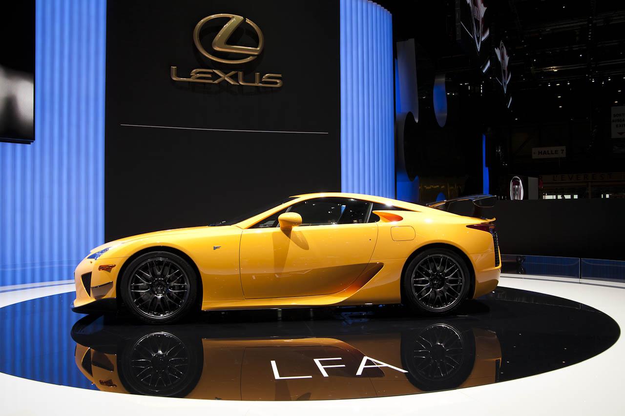 Lexus_LFA_geel-4082.jpg