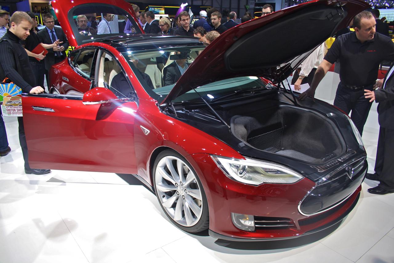 Tesla_Model_S_Geneva_2012_01.jpg