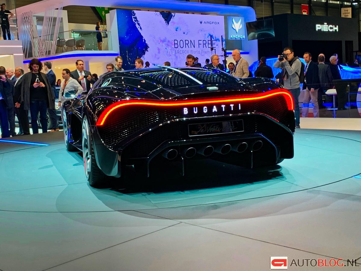 01_bugatti-voiture-noire.jpg