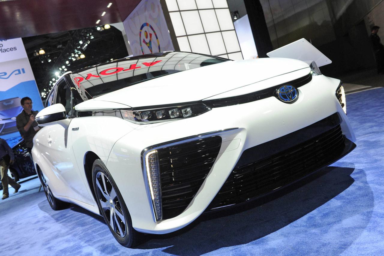 Toyota-Mirai-LA-001.jpg