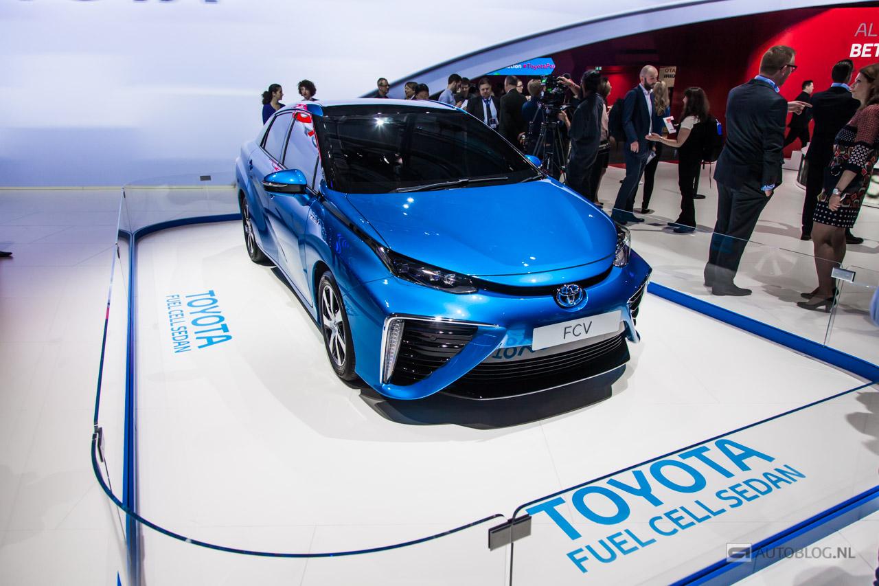 Toyota-FCV-0940.jpg