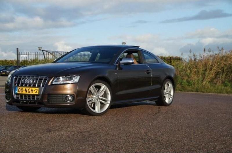 Audi-S5-Arjen-Robben-001.jpg