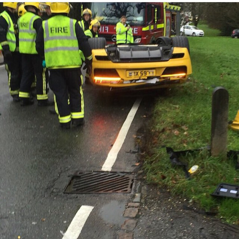 Audi-R8-Crash-londen-001.jpg