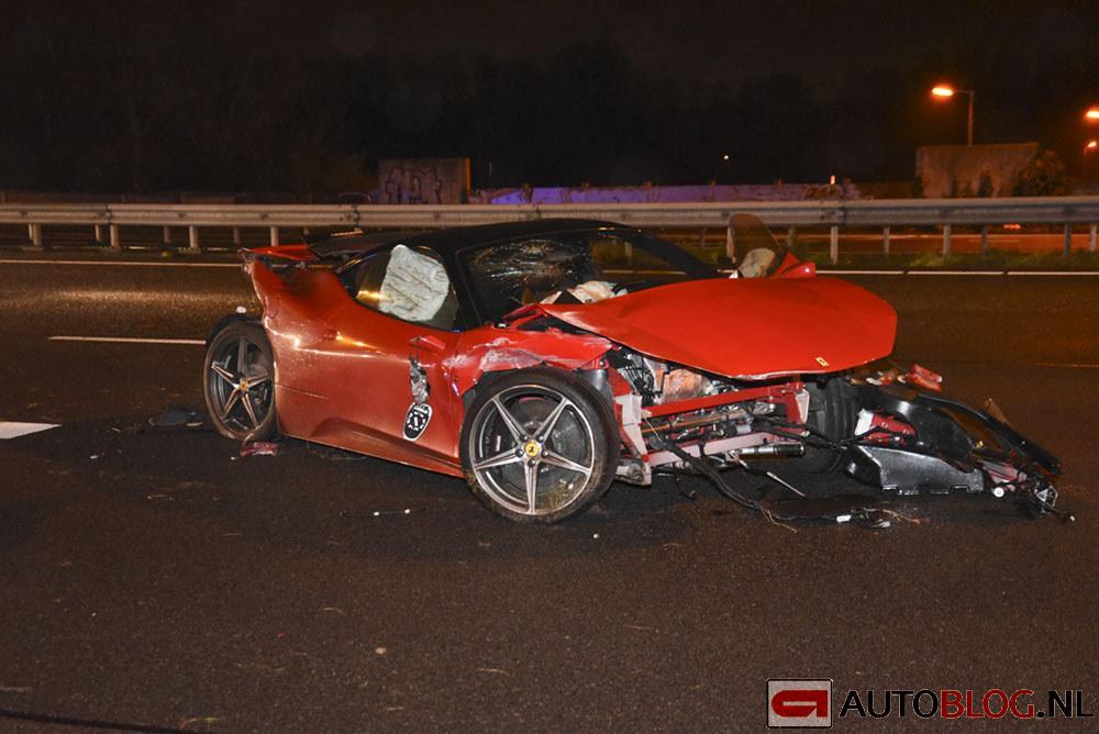 Ferrari-458-A16-crash-001.jpg