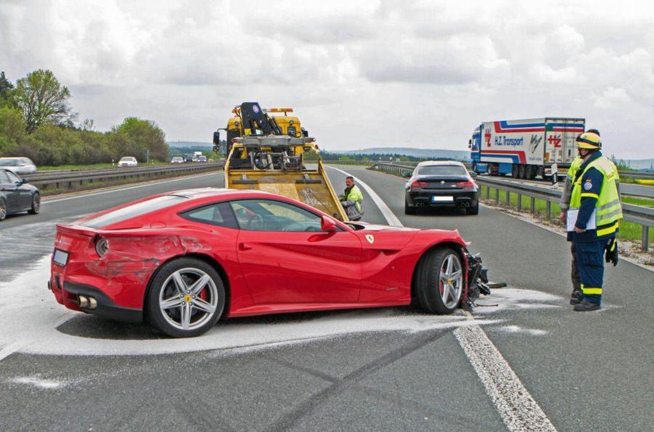 Ferrari-F12berlinetta-crash-Duitsland-01.jpg