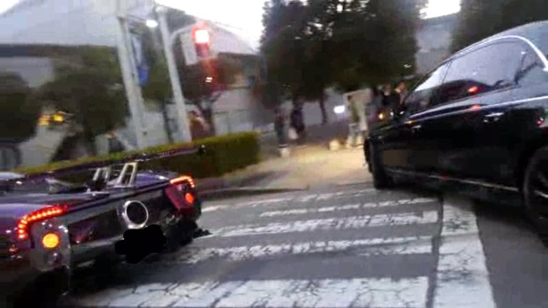 Pagani-Zonda-ZoZo-crash-Maybach-01.jpg