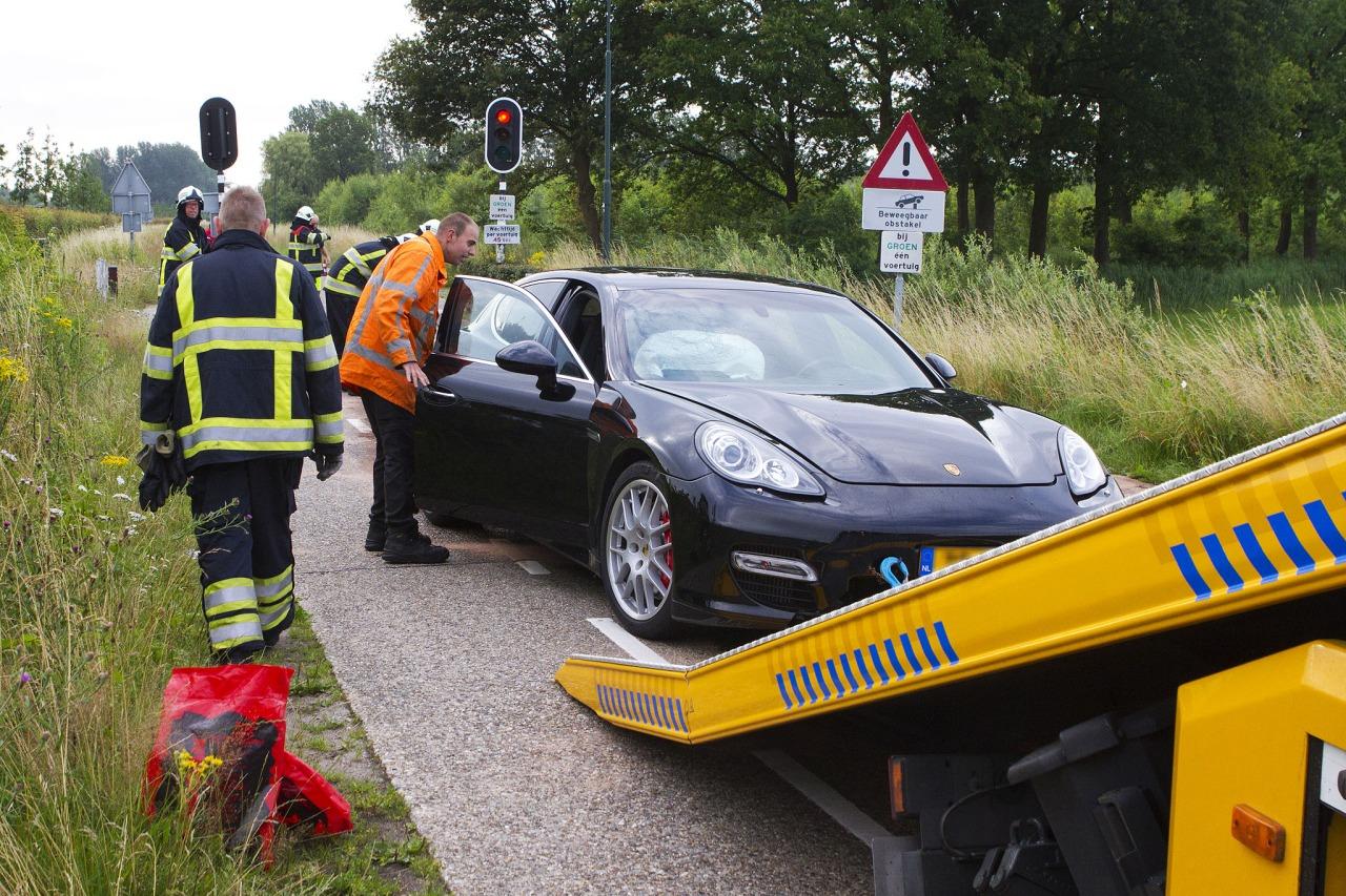 Porsche_Panamera_Crash_Schijndel_01.jpg
