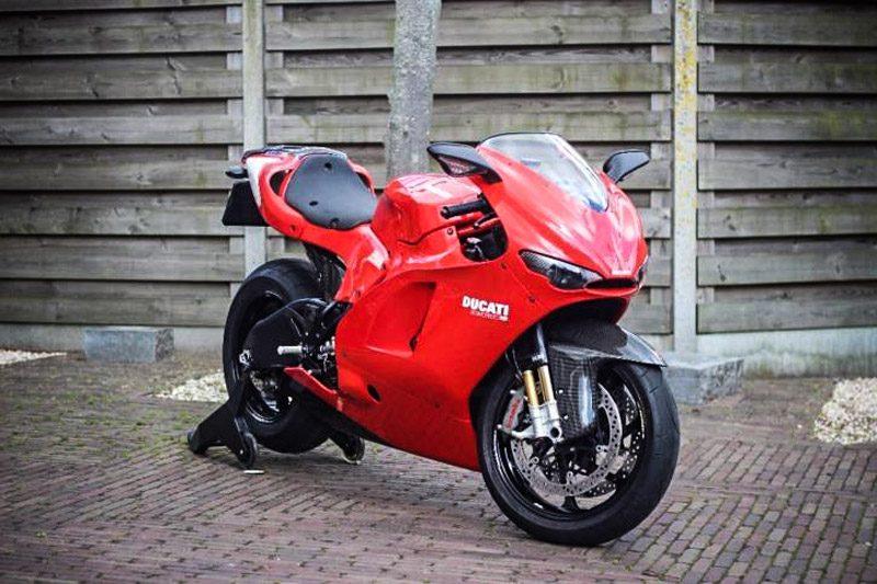 Ducati-desmosedici-rr-1.jpg