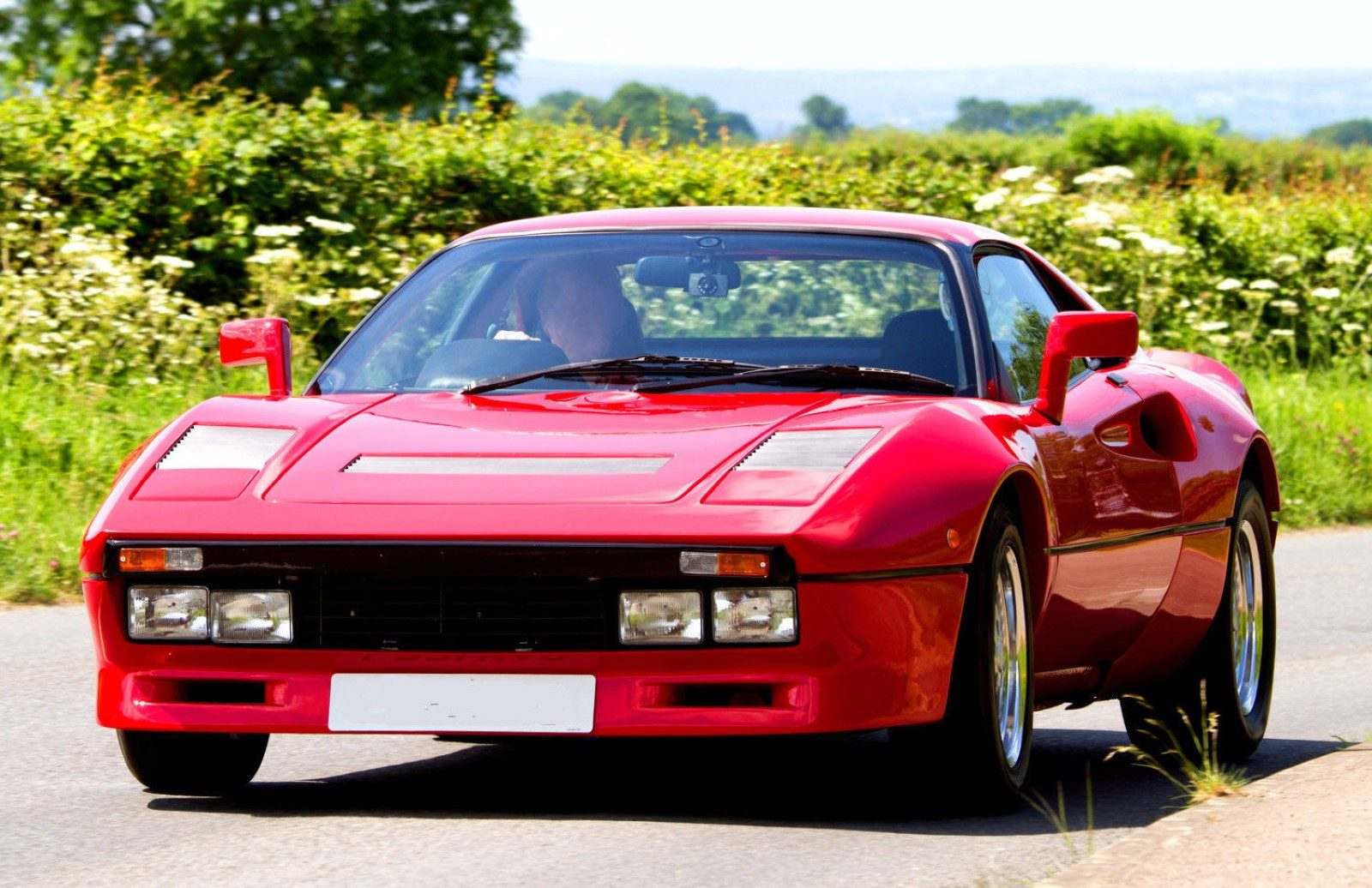 Toyota-MR2-Ferrari-288-GTO-kitcar-001.jpg