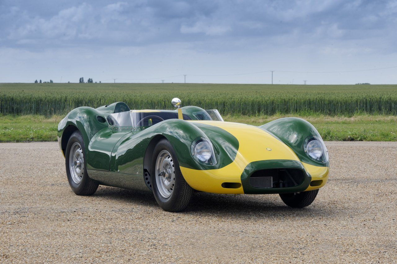 Lister-Knobbly-Stirling-Moss-01.jpg