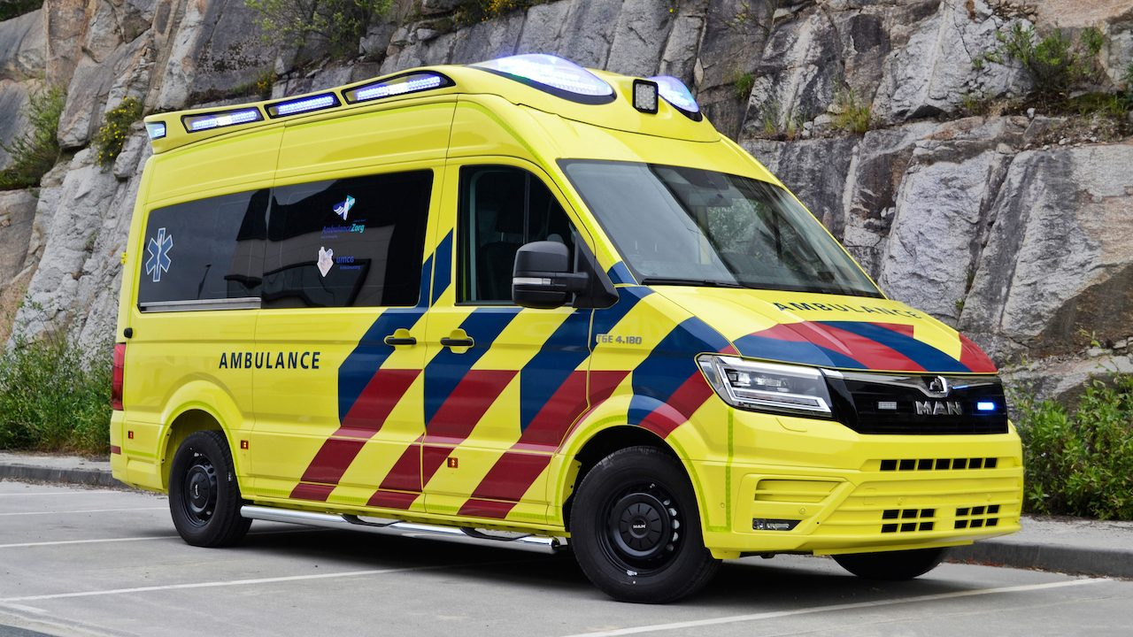 man-ambulance-00001.jpg