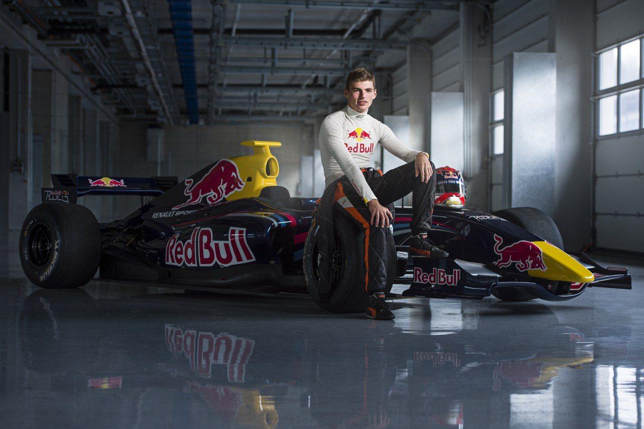 Max-Verstappen-F3-Red-Bull-001.jpg