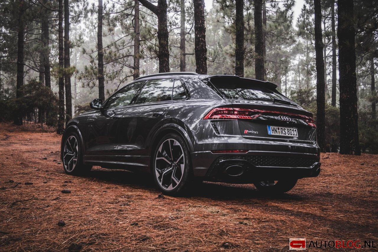 Audi_RSQ8_01.jpg