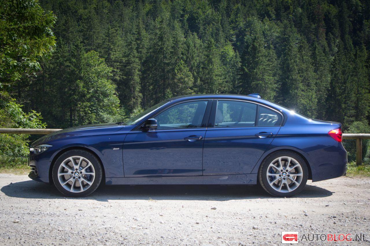 BMW-340i-F30-1.jpg
