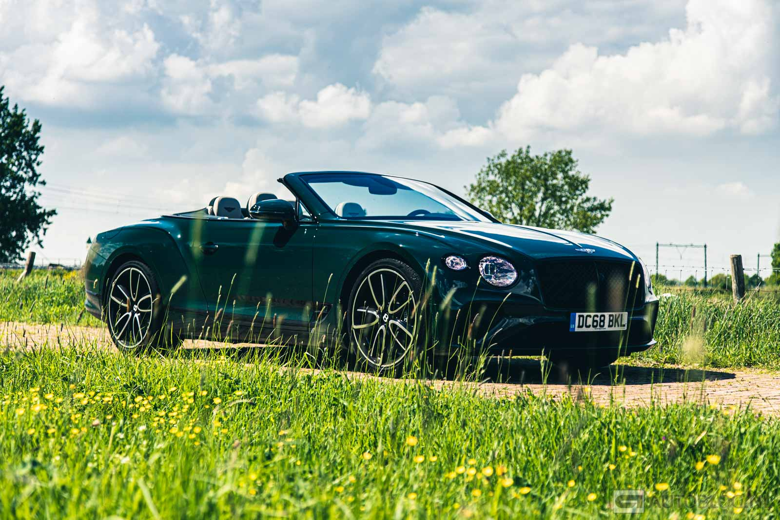 Bentley-Continental-GTC-2019-2433.jpg
