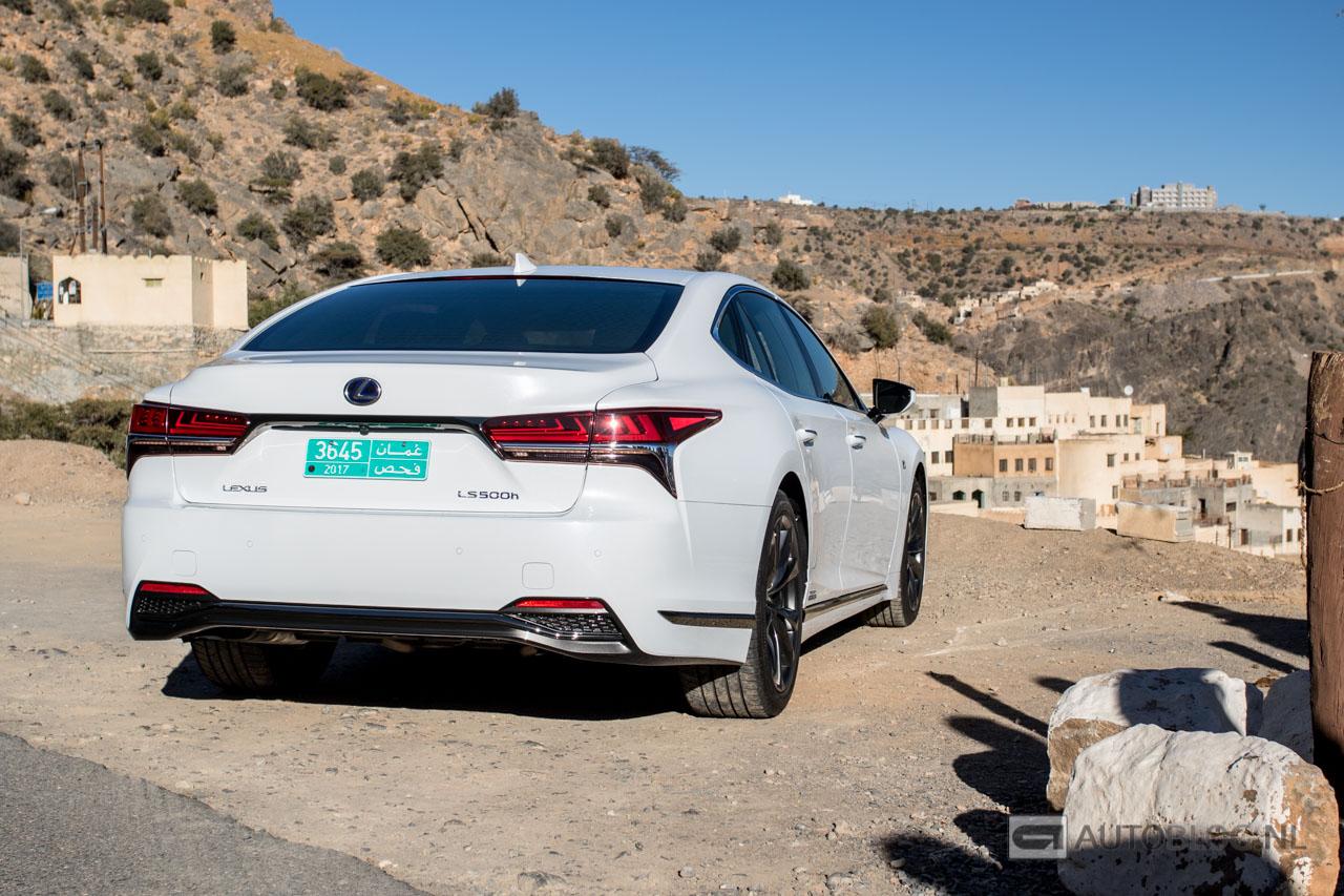 Lexus-LS-500h-2018-8636.jpg