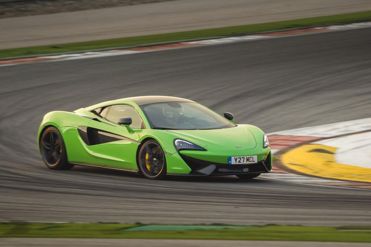 McLaren-570S-01.jpg