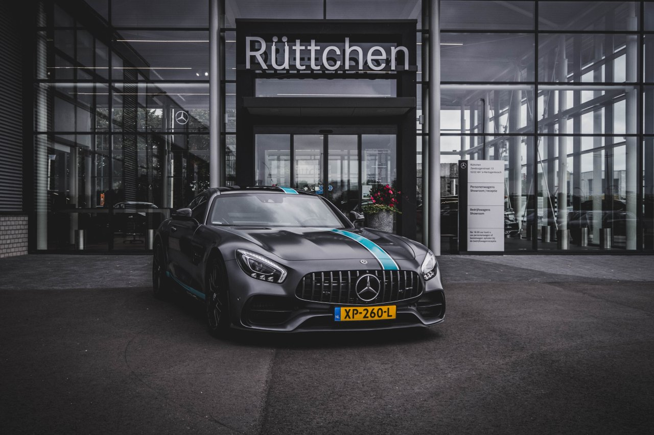 Mercedes-AMG_GT-S-Night-Edition-1.jpg