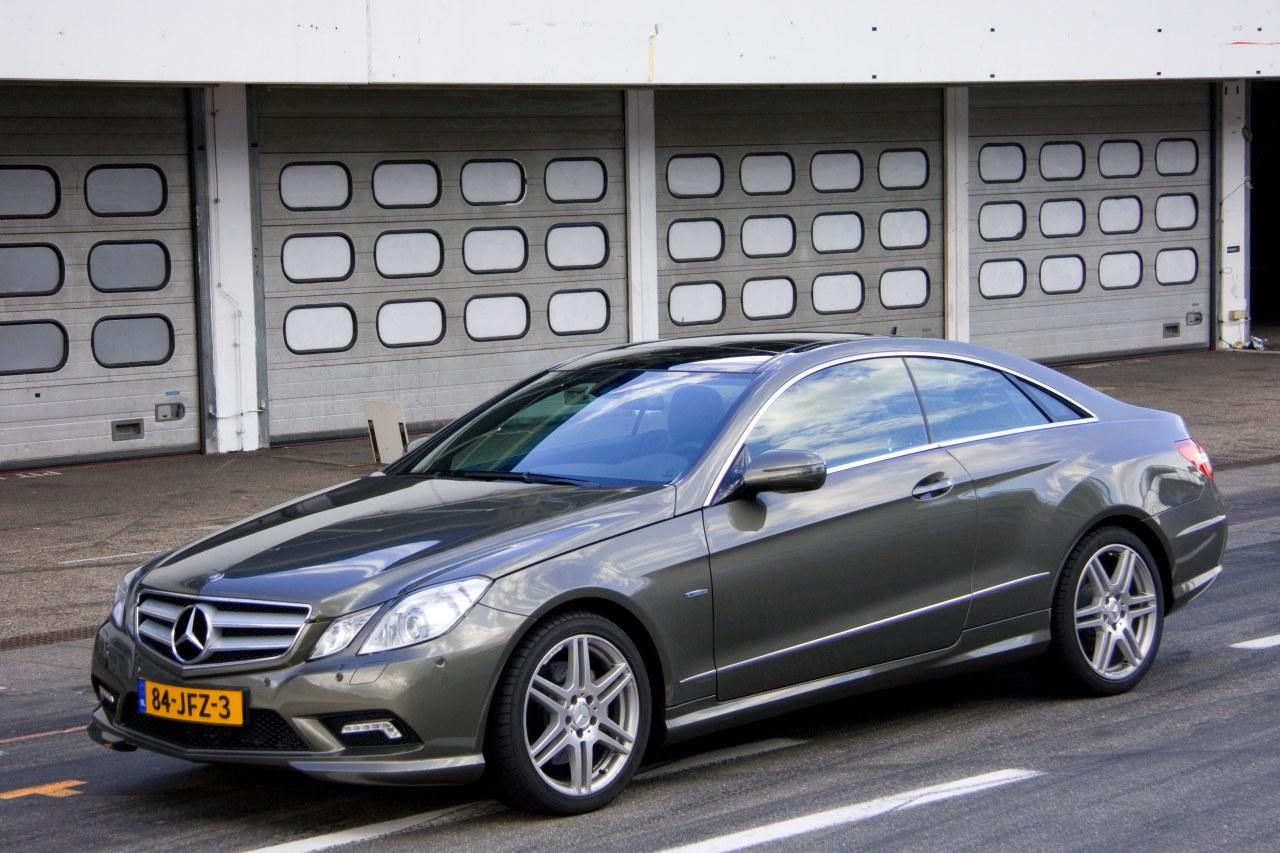 Mercedes_E350_Coupe_01.jpg