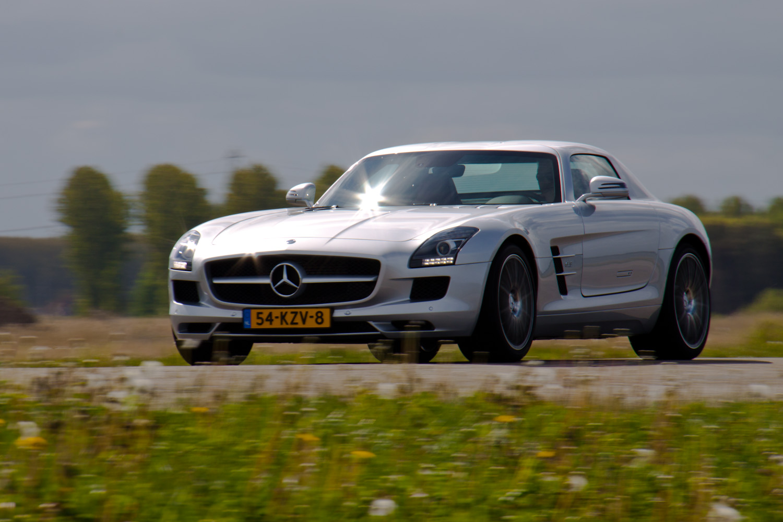 Mercedes-Benz SLS AMG 01.jpg