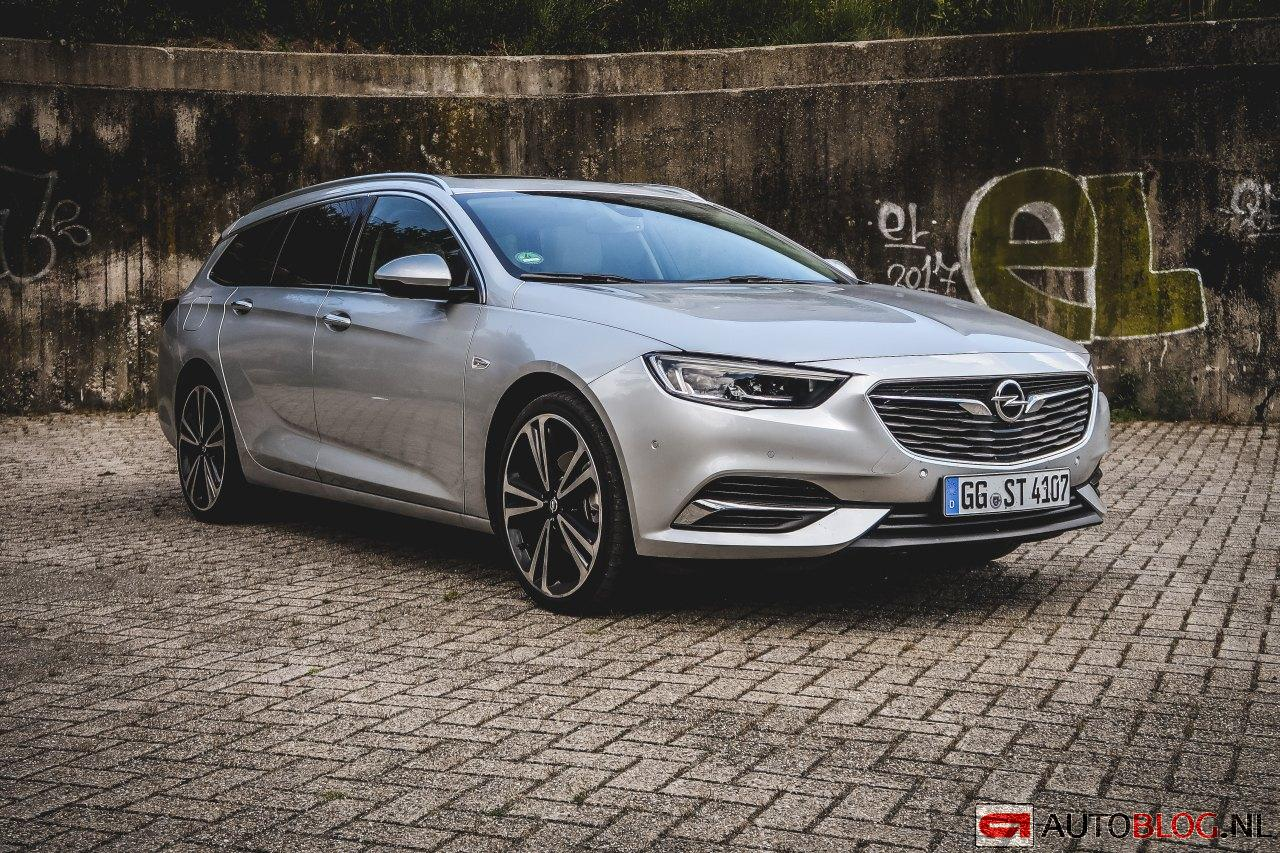 Opel_Insignia_Sports_Tourer-1.jpg