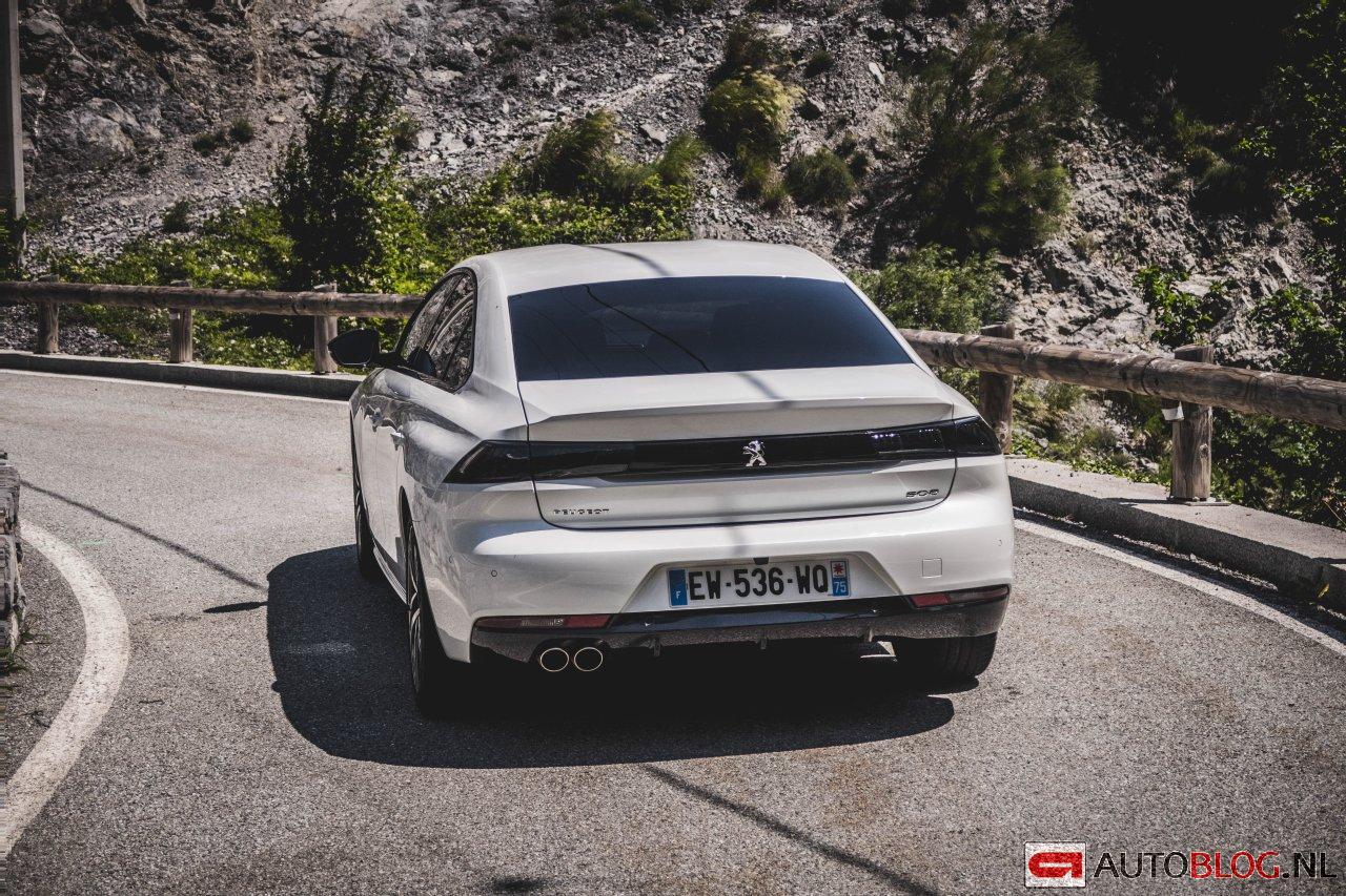 Peugeot_508_2018-1.jpg