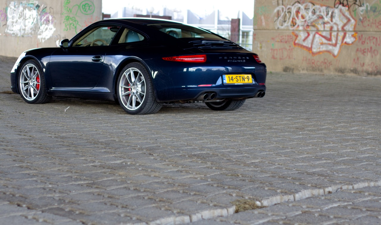 Porsche-911-Carrera-S-991-1.jpg