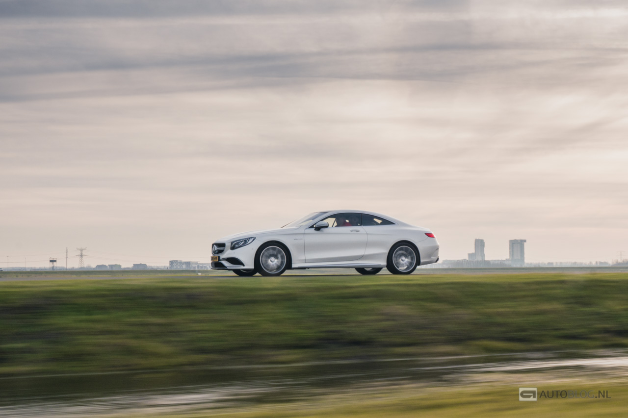 Aston-Martin-Vanquish-vs-Mercedes-S63-AMG-Coupe-1020555.jpg