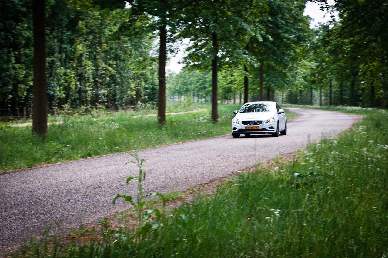 Volvo_S60_Drive_R-Design_01.jpg