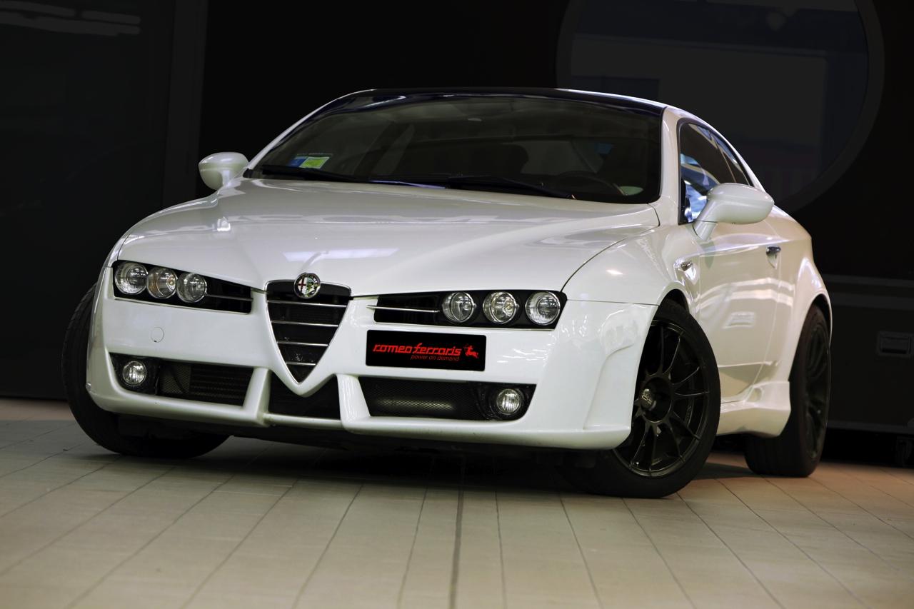 Alfa_Romeo_Brera_Romeo_Ferraris_01.jpg