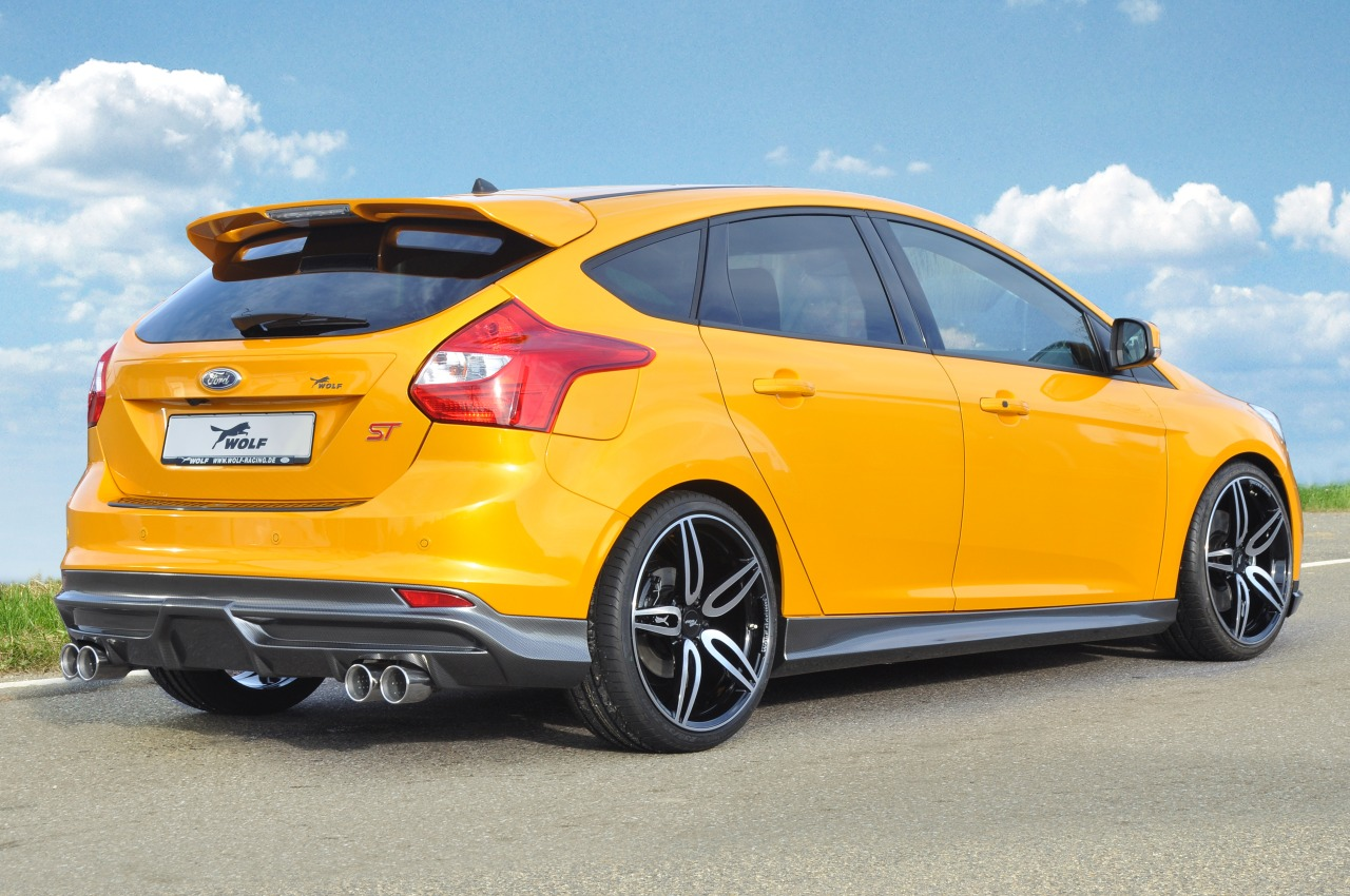 Ford-Focus-ST-Wolf-Racing-01.jpg