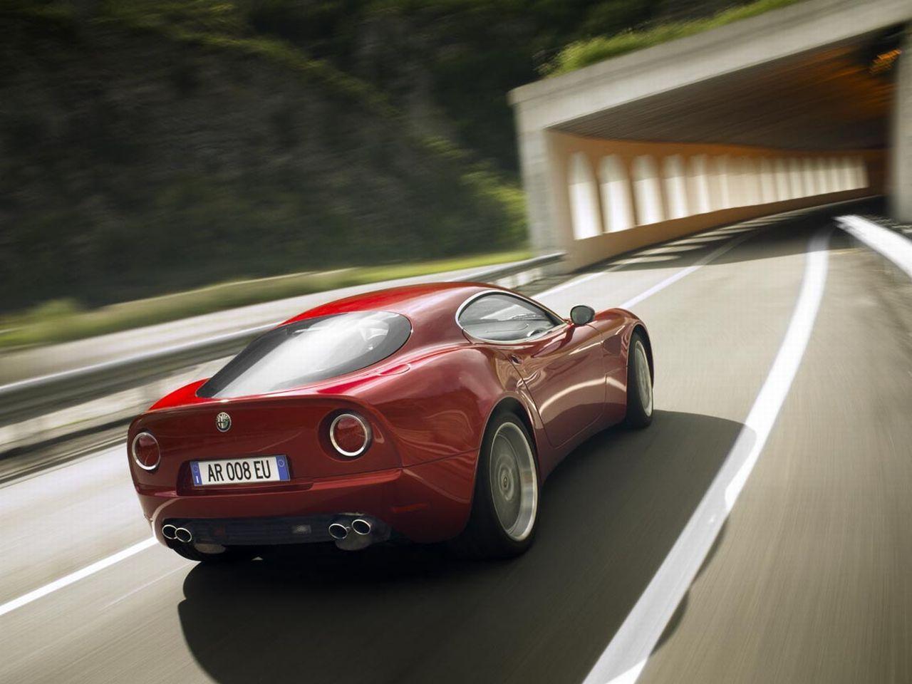 Alfa_Romeo_8C_Competizione.jpg