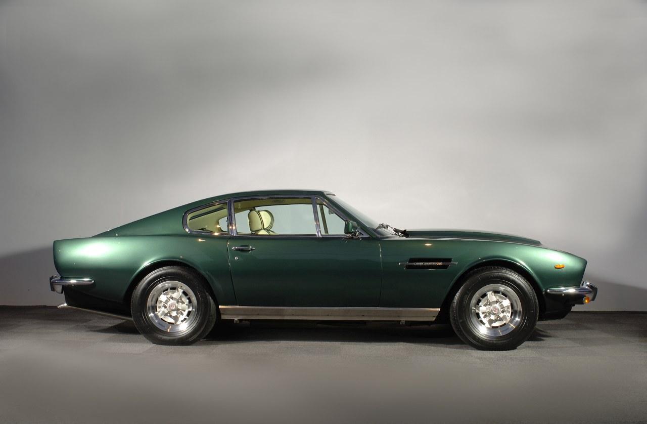 Aston_Martin_V8_100.jpg