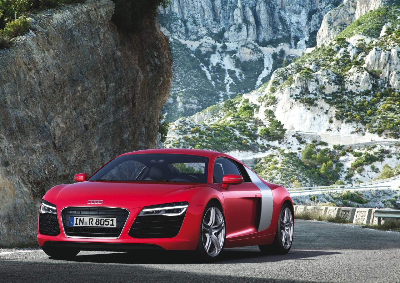 Audi-R8-2013-01.jpg