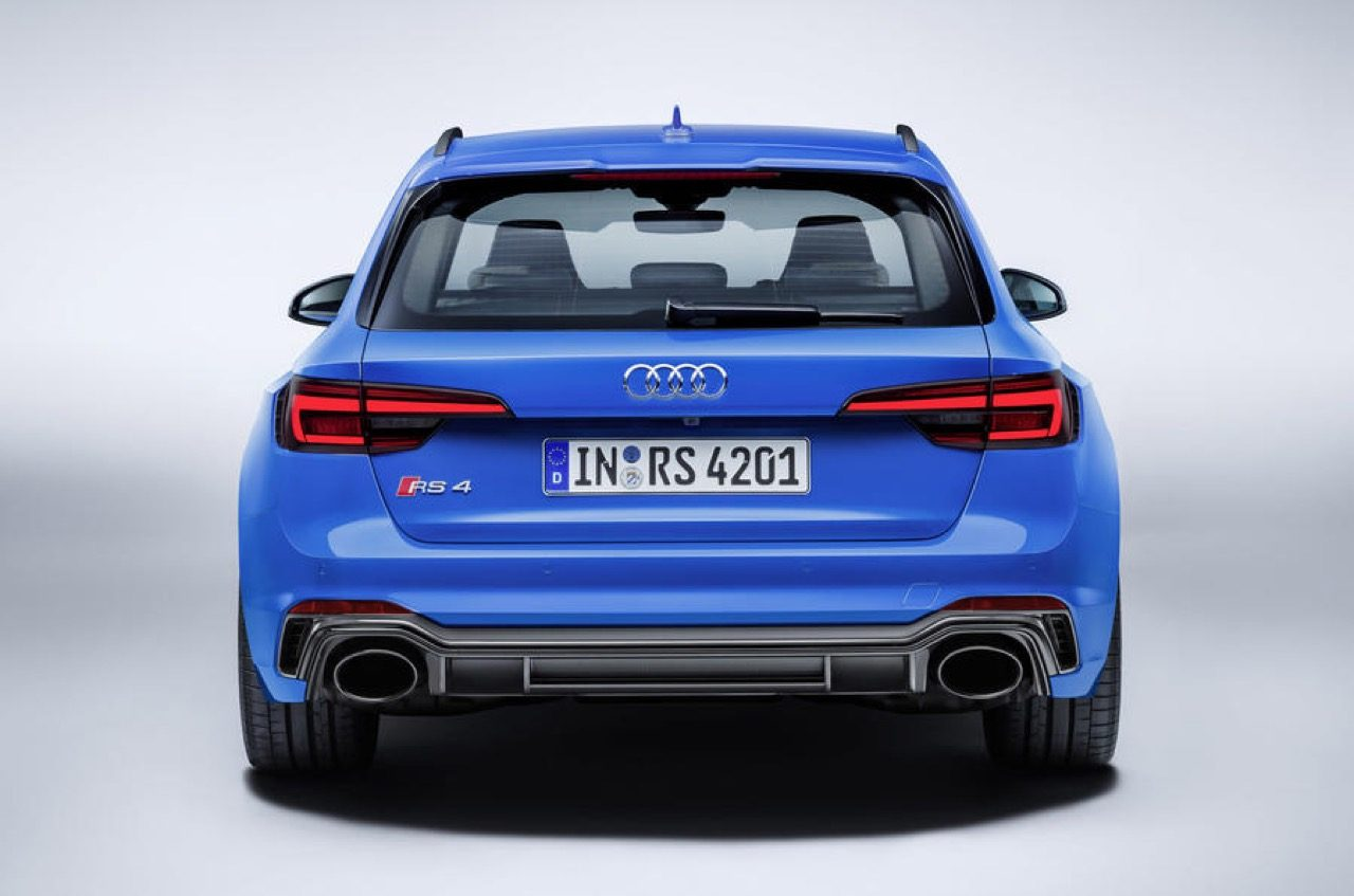 Audi-RS4-RS5-Carbon-Edition-01.jpg