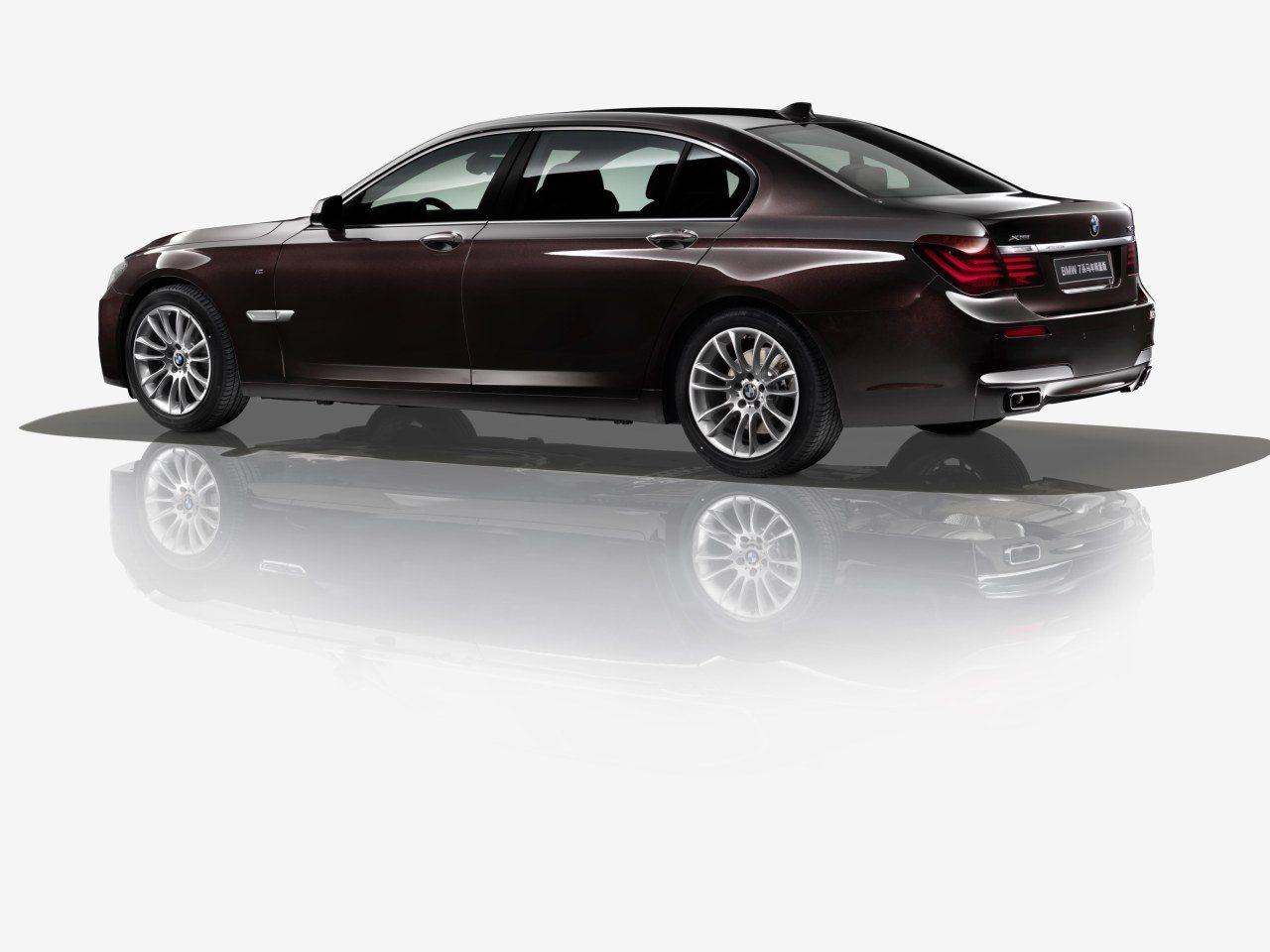 BMW-7-Serie-Horse-01.jpg