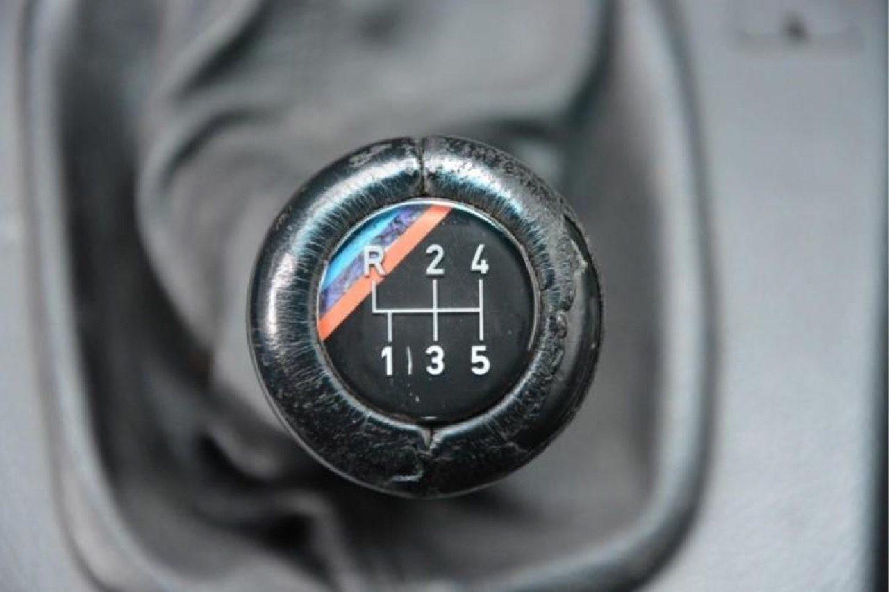 BMW-E30-M3-blauw-01.jpg