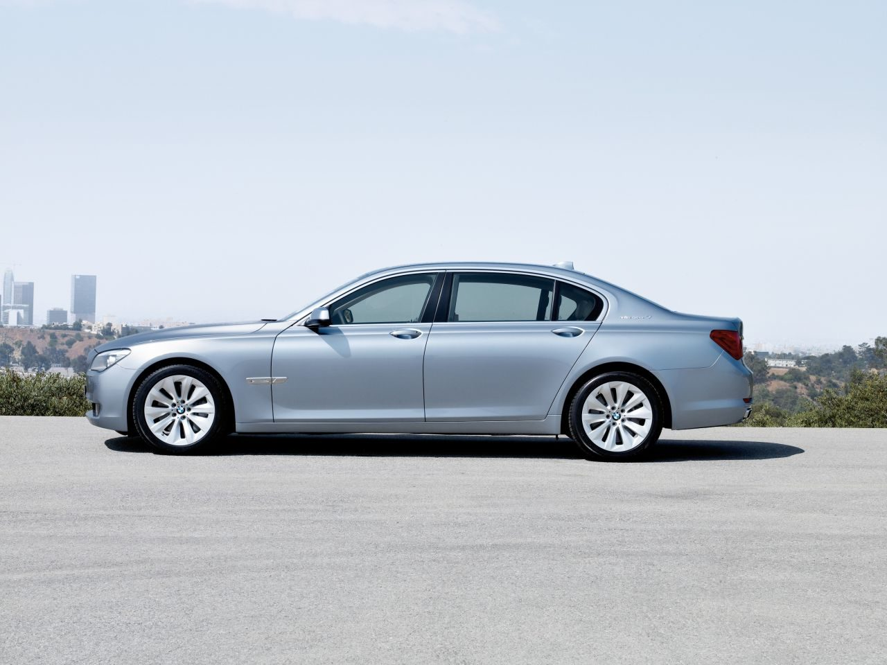 BMW_ActiveHybrid_7_01.jpg