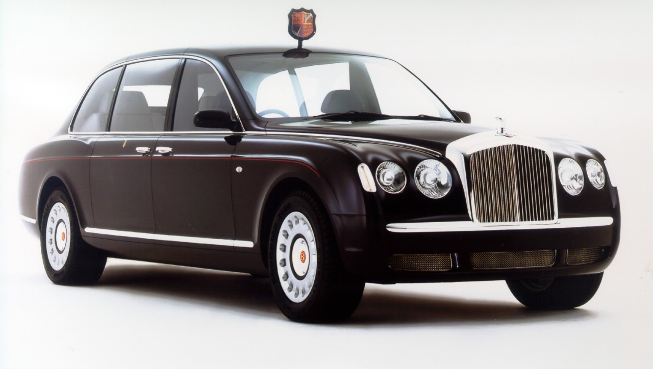 Bentley_State_Limousine_01.jpg