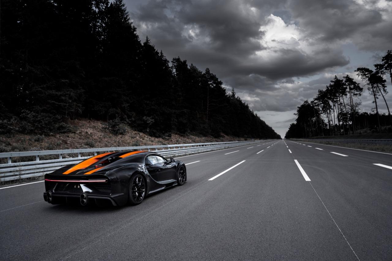 bugatti-chiron-sport-300-plus-2019-001.jpg