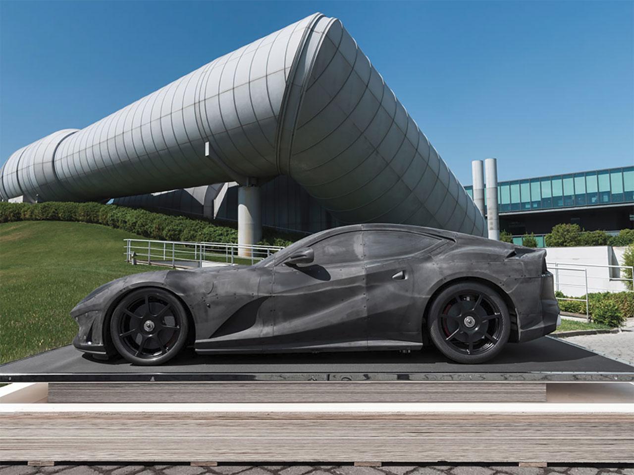 Ferrari-812-Superfast-schaalmodel-01.jpg