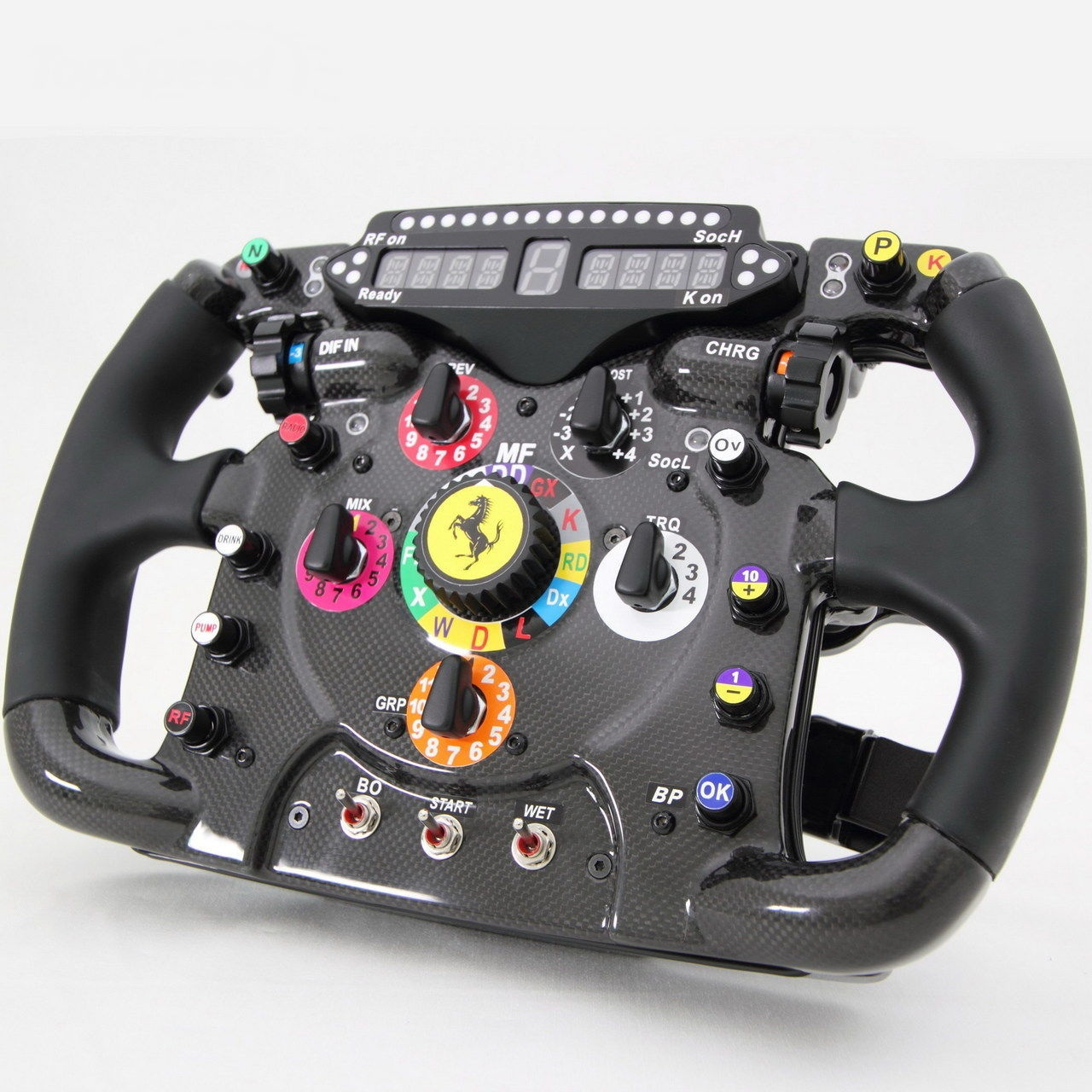 Ferrari_150_steering_wheel_replica_01.jpg