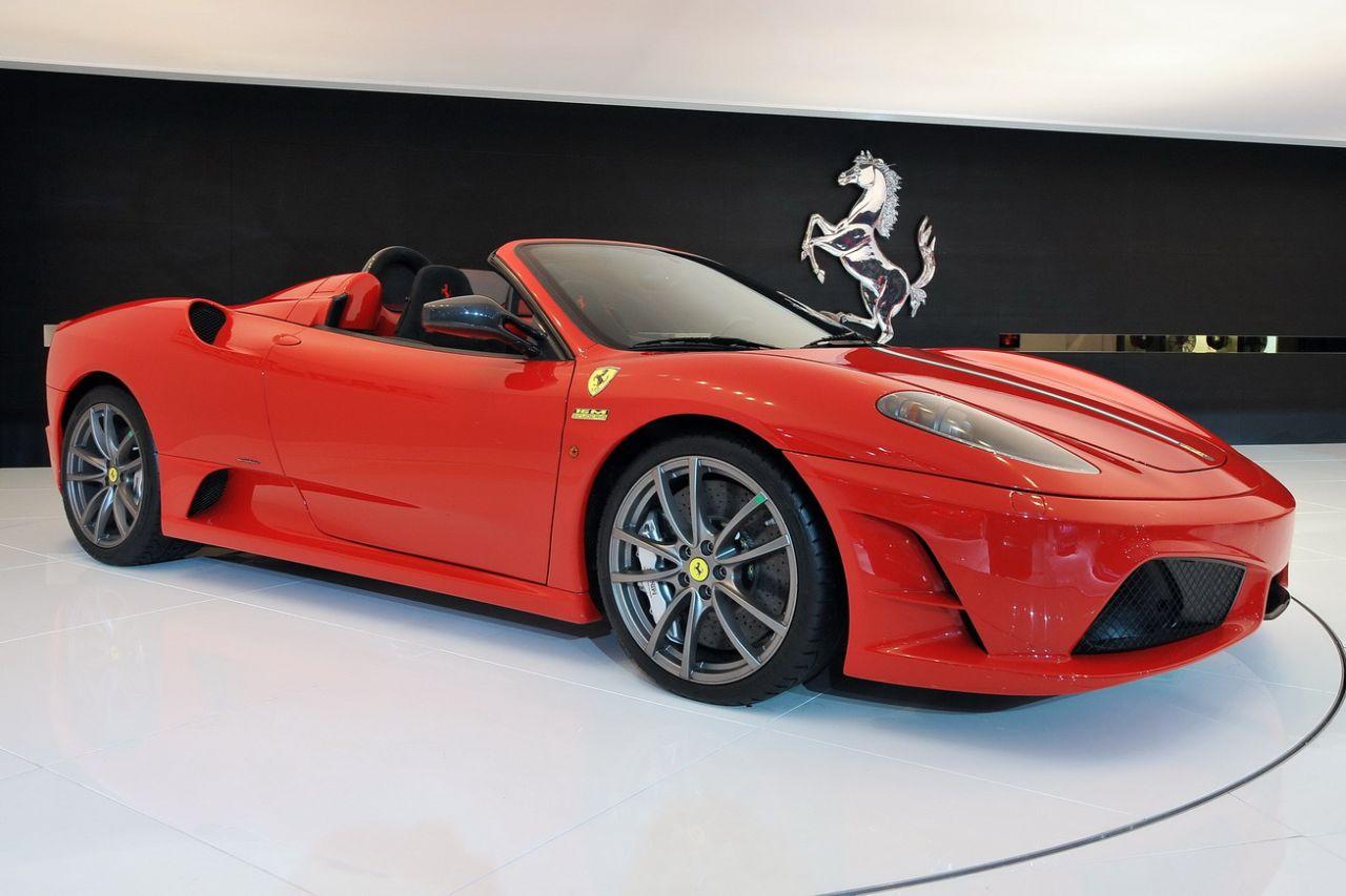 Ferrari_Scuderia_Spider_16M_01.jpg