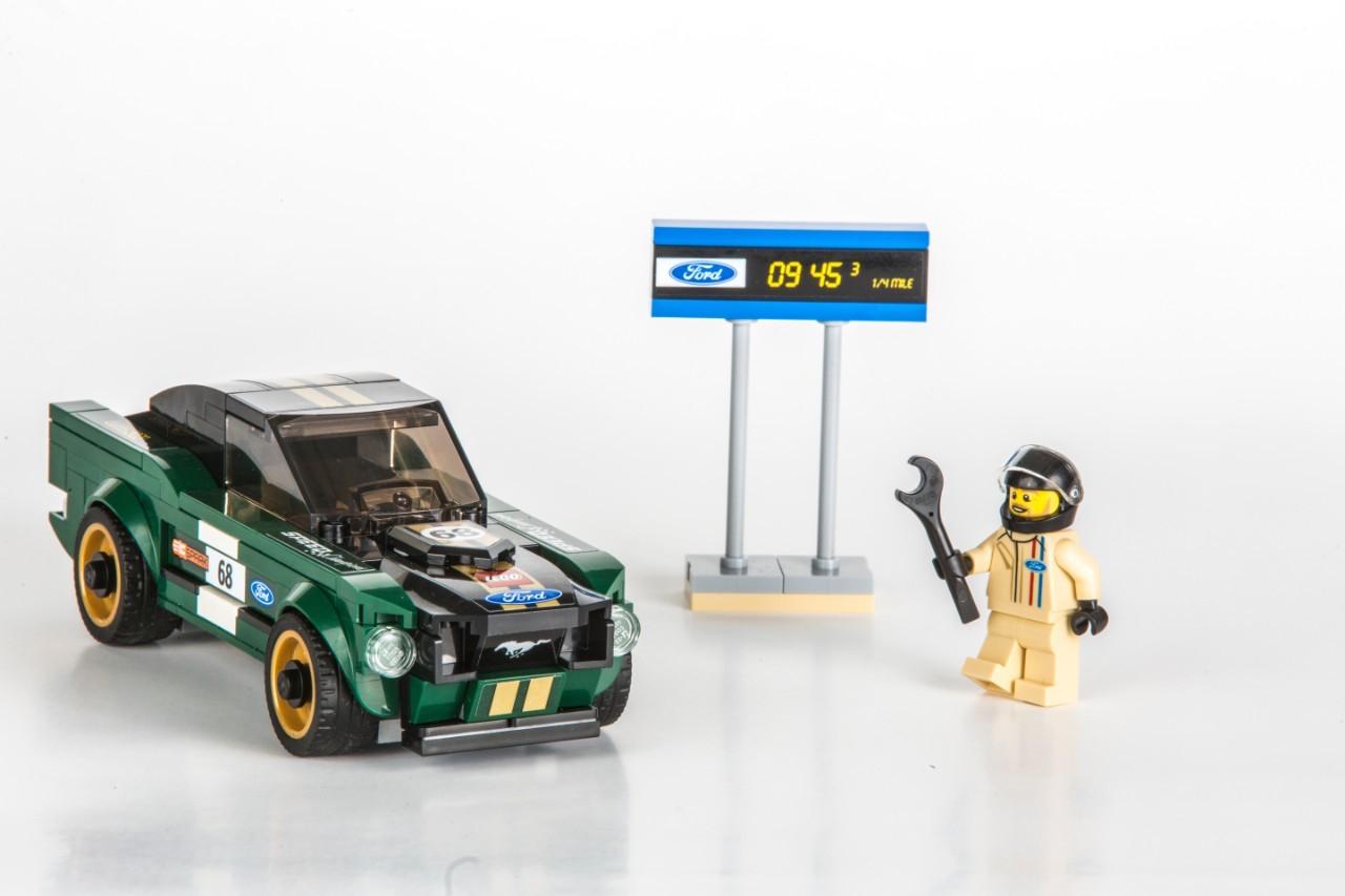 lego-mustang-fastback-10008.jpg