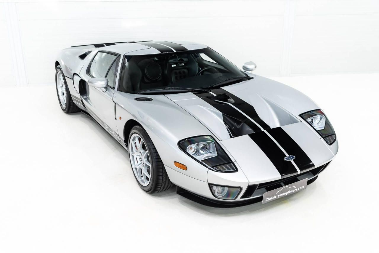ford-gt-occasion-grijs-001.jpg