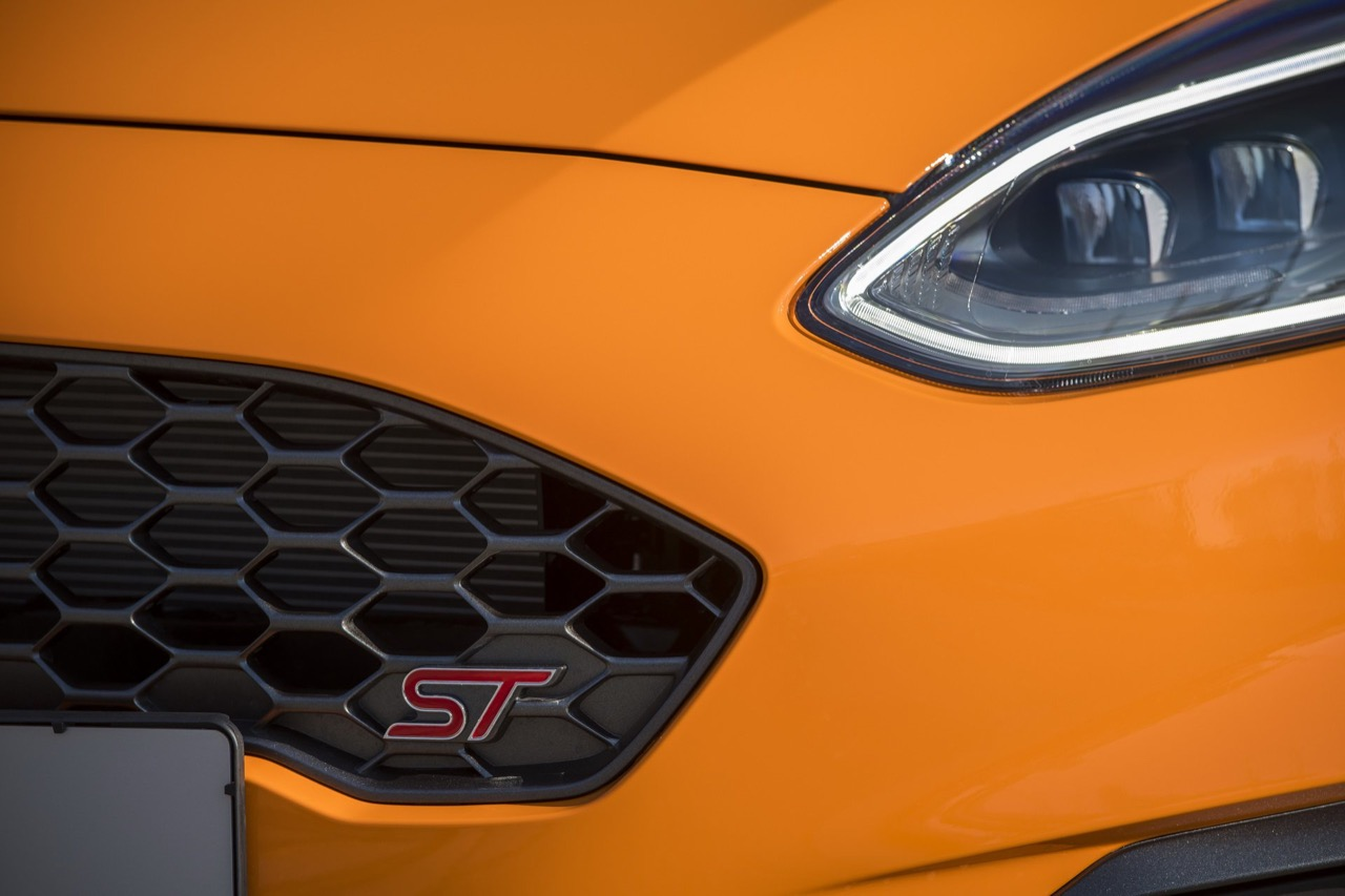 ford-fiesta-st-performance-edition-UK-2019-001.jpg