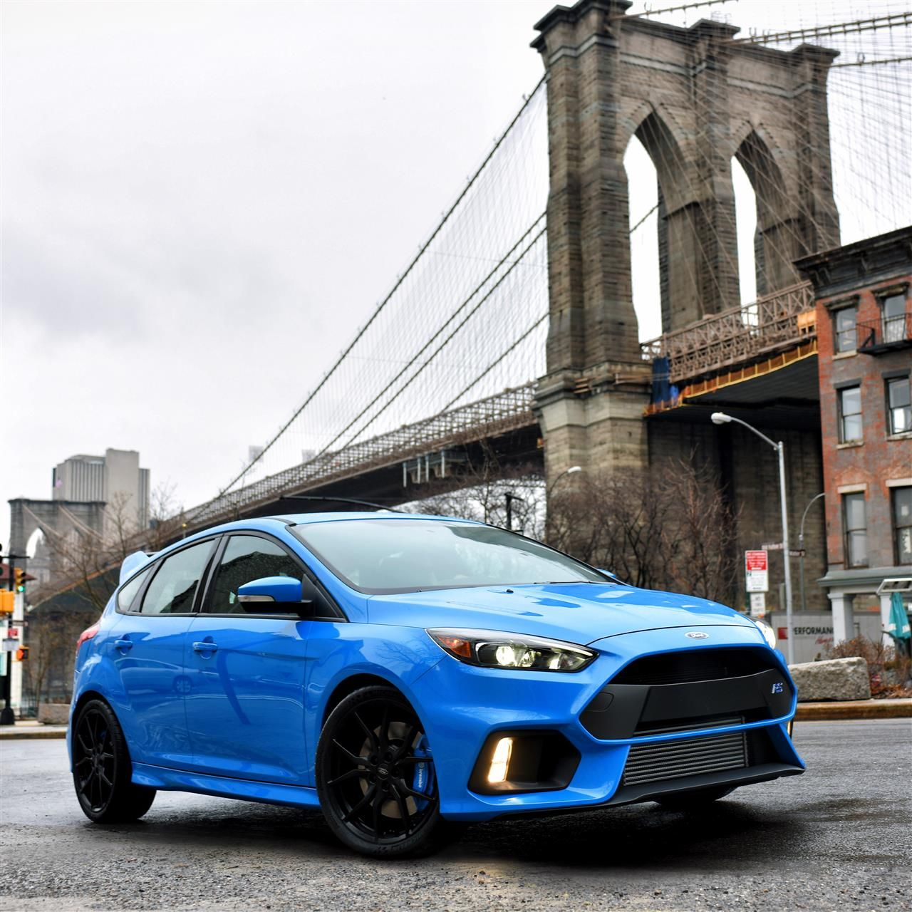 2016-Ford-Focus-RS-001.jpg